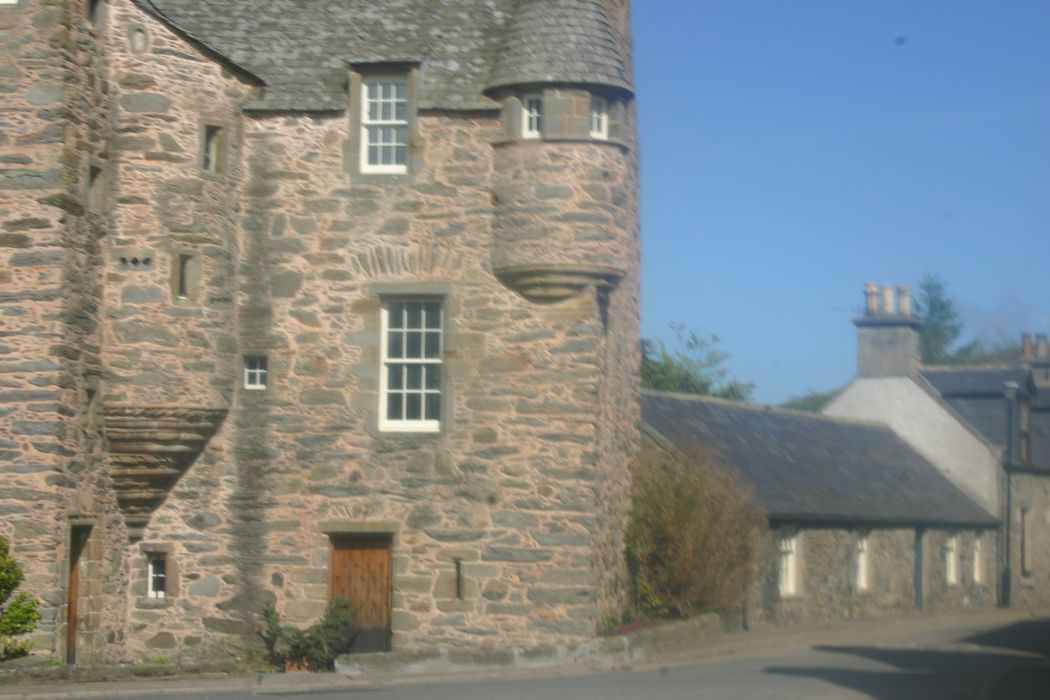Lady Margaret cottage and Fordyce Castle